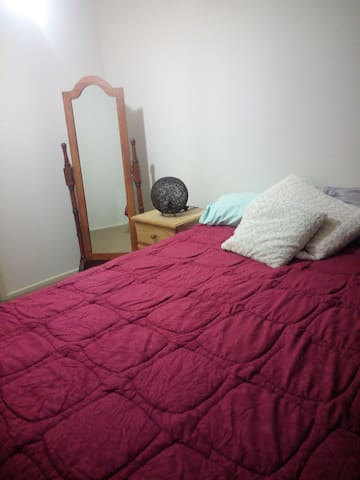 Self Contained Flat, Off street parking - Bald Hills - Apartament