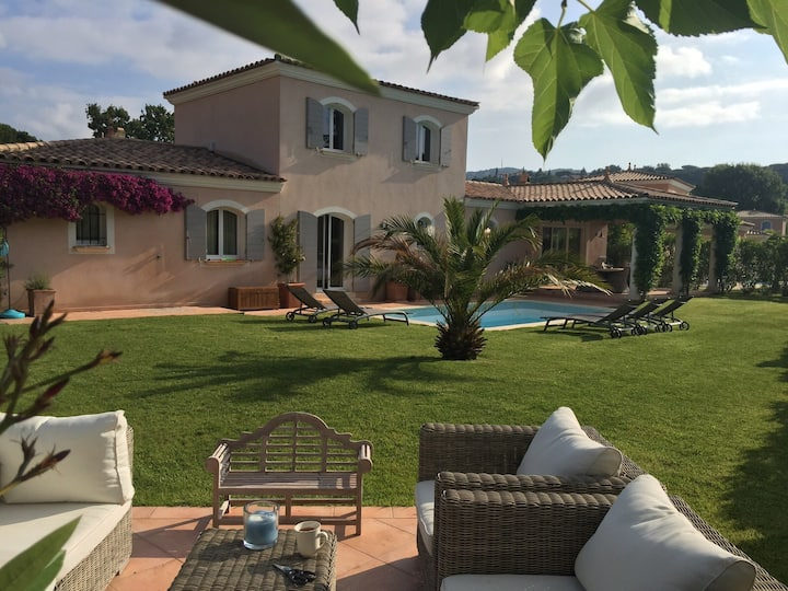 Villa with pool at 100 m from beach