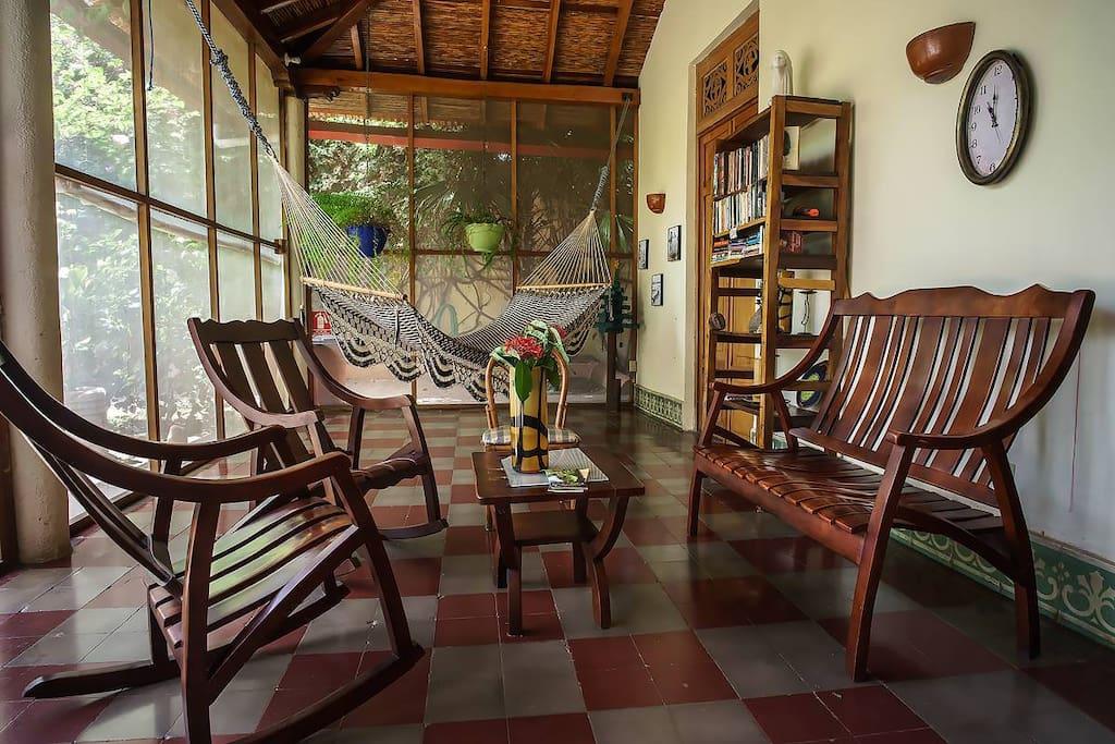 Granada room 3pax bed breakfasts en alquiler en for Casa relax granada