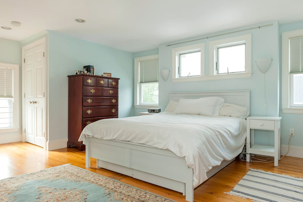 Huge master bedroom suite with great light and queen size bed.