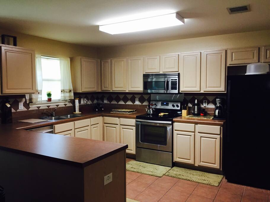 Large kitchen to make those home cooked meals...