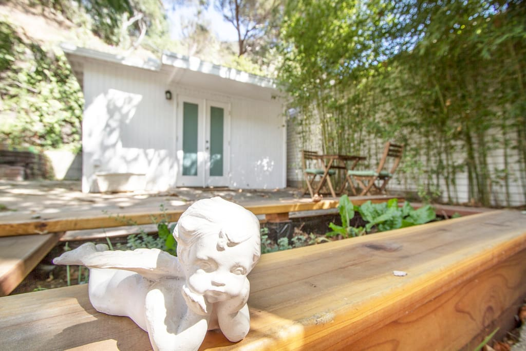 Whimsical & lovely private Mid-Century Modern guest house awaiting your arrival! :)