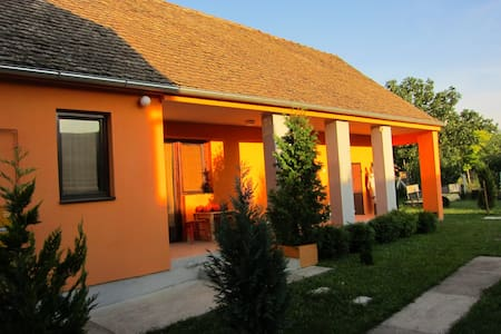Hokaido House near Belgrade on E75 - Крчедин
