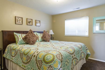 Charming Home Away From Home - South Jordan