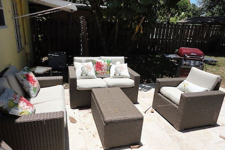 House for 6 people-free WIFI. - Wilton Manors - Σπίτι