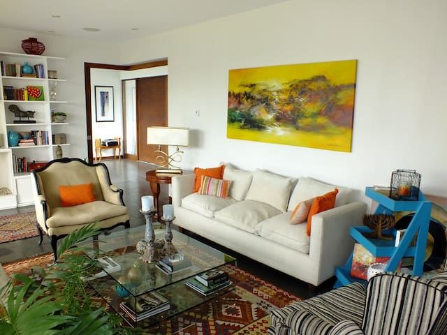 Beautiful and Modern Family House - Chicureo - Huis