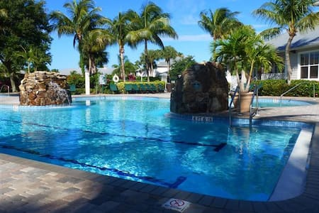 Lely Resort Greenlinks 3 BR / 2 BA Golf Villa - Condominio