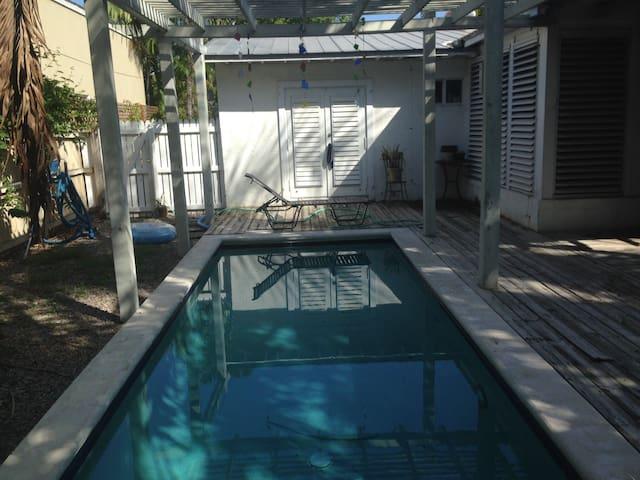 Studio poolside suite - Key West - House
