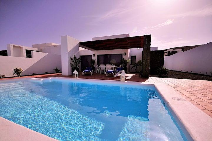 Villa Anika heated pool