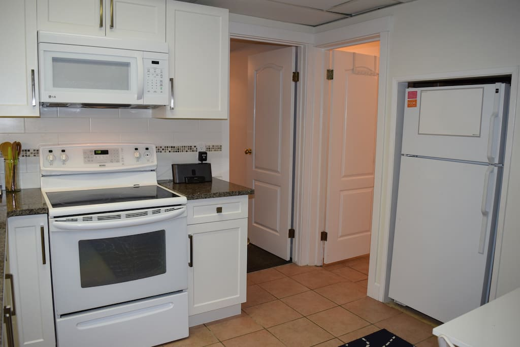 New kitchen that is fully equipped