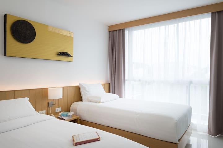 Superior Tripple Suite @ WIDE Condo - Tambon Wichit - Apartment