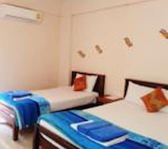 BanPunmanus, Simply family room (3) - Flat