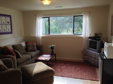Private Room Near City/Airport