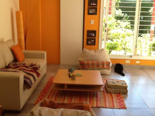 Room in beautiful house with garden + breakfast