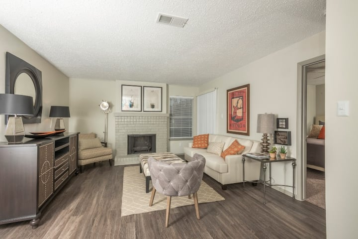 Live + Work + Stay + Easy | 2BR in Austin