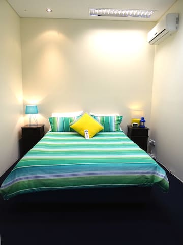 Bedroom 1 - Queen Size Bed.  1000 Thread Count Egyptian Cotton Linen