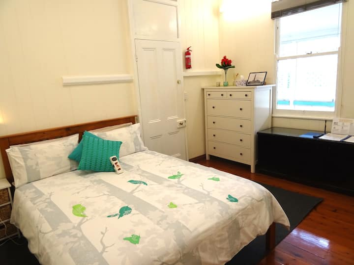 2BR Self Contained Apartment in Colonial House