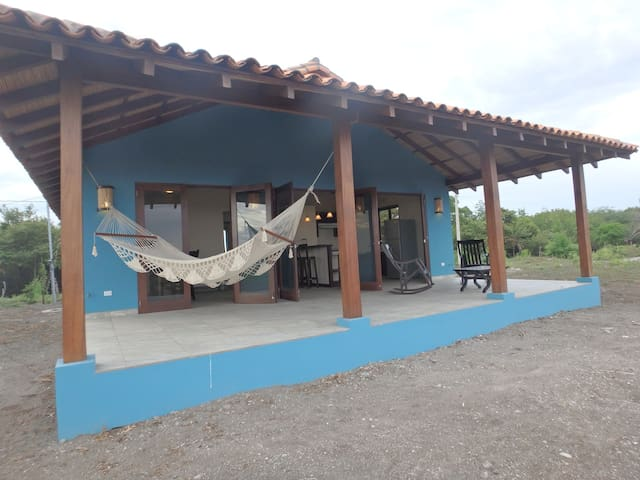 Playa Tesoro 29: Blue Beach House @ Turtle Island - Puerto Sandino - บ้าน
