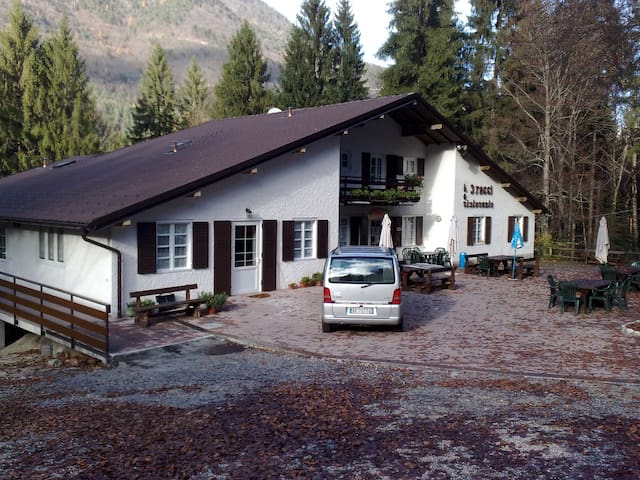 B&B Three Beeches - quadruple room - Borgo Valsugana - Bed & Breakfast