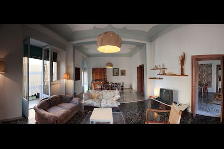 Room type: Entire home/apt Property type: Apartment Accommodates: 7 Bedrooms: 3 Bathrooms: 2