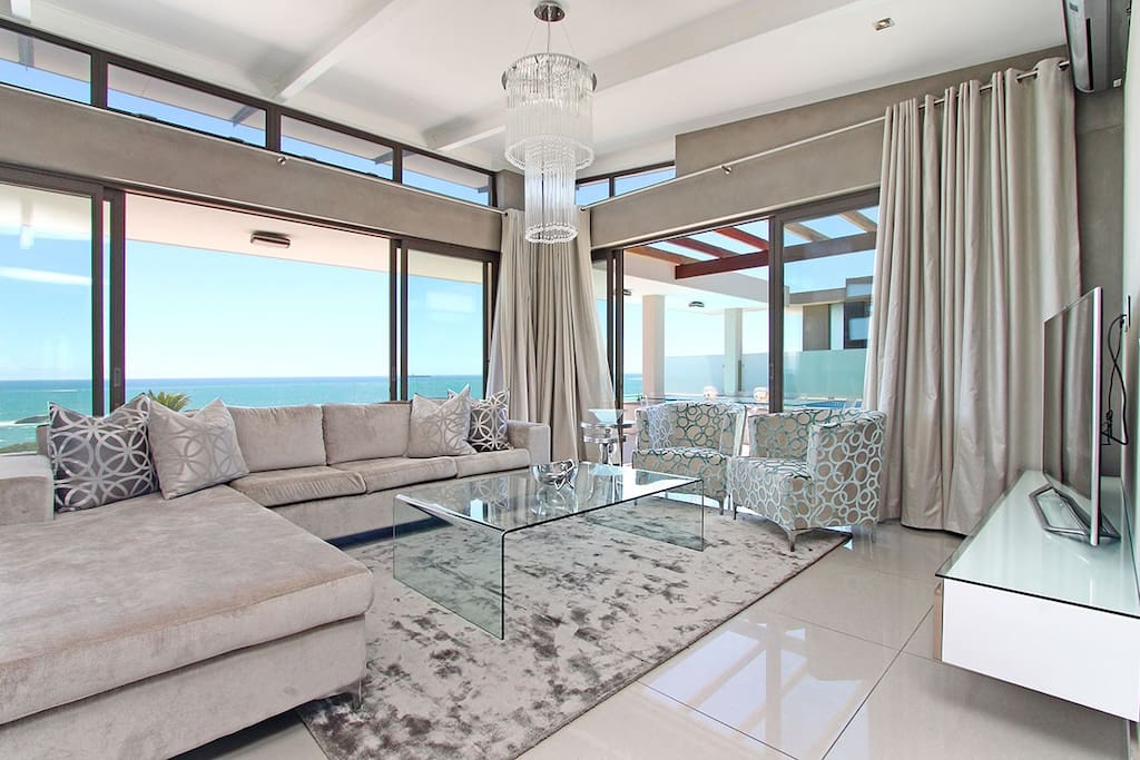 Magnificent panoramic Ocean Views, Flat screen smart TV