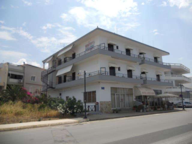 HOTEL ARSENAKOS Neapoli Lakonia - Neapoli Vion