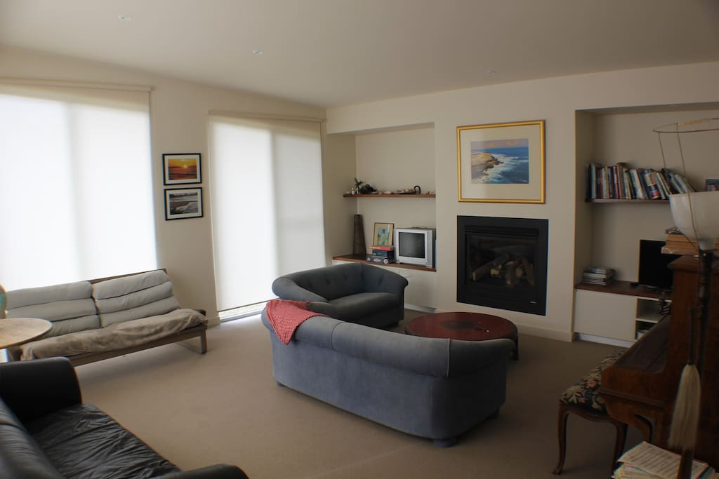 Front living space