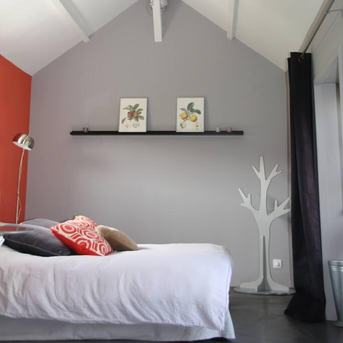 Chambre en rez de jardin avec terrasse privative