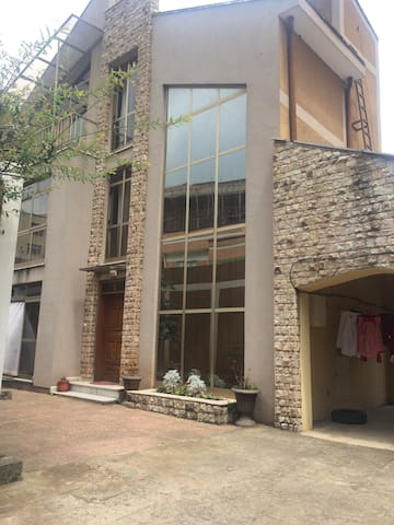 DownTown Bole Custom Built 3FL Home - Addis Ababa - House