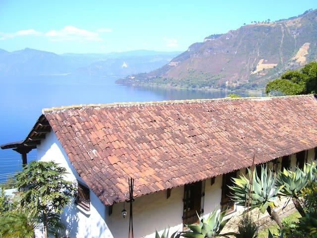 Casa Colonial Atitlan-Studio Apartment - San Antonio Palopo
