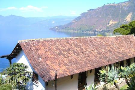 Casa Colonial Atitlan-Studio Apartment - San Antonio Palopo - Apartment