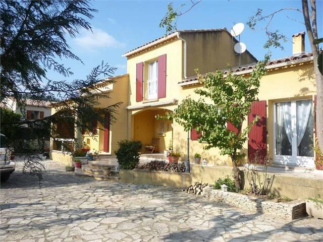 Maison au calme proche Avignon - Bagnols-sur-Cèze - Villa