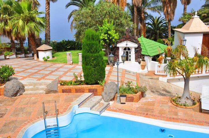 Luxury villa with amazing views - La Matanza de Acentejo - Villa