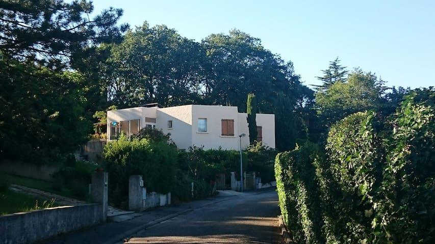 Belle et grande maison en Drôme - Montéléger - House