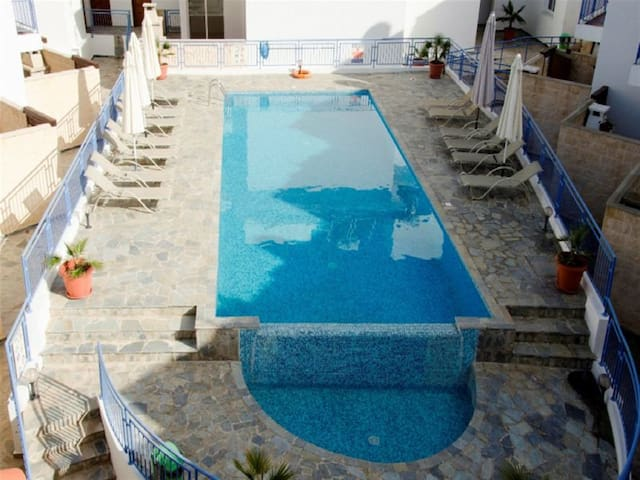 3 Bed house - Sea Views - Jacuzzi - Argaka - House