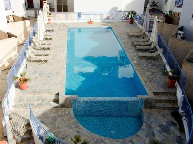 3 Bed house - Sea Views - Jacuzzi - Argaka - บ้าน