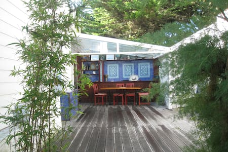 L'Heure Bleue close to the beach - Casa