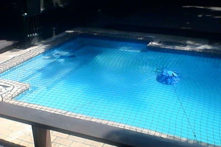 Porpoise Lodge, 4 Bedroom House, Pool, Quiet Area,