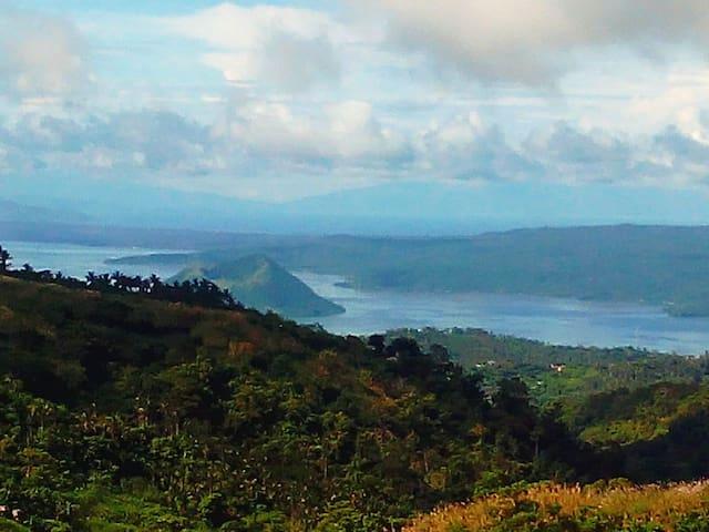 Cleeve Hills Tagaytay Room 4