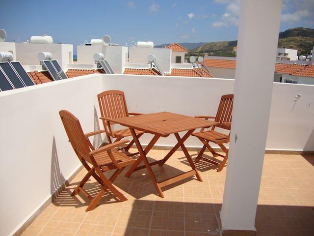 2 Bed House - Sea Views - Pool - Argaka - บ้าน