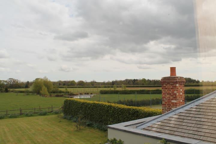 Pool Barn - Shelley - House