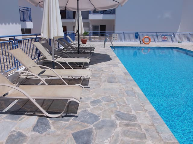2 Bed House - Sea Views - Pool - Argaka - House