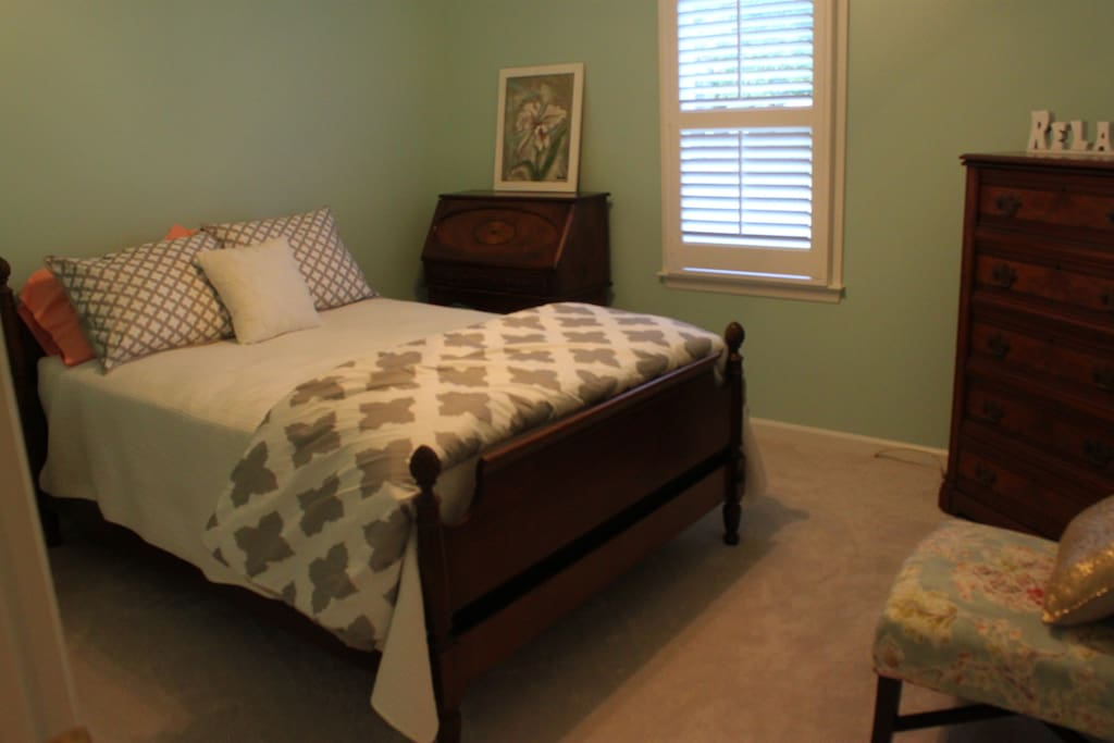 Guest Room - Full Bed