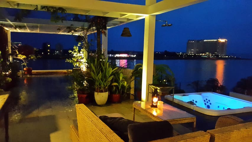 Rooftop accomodation at Riverside - Phnom Penh - Apartamento