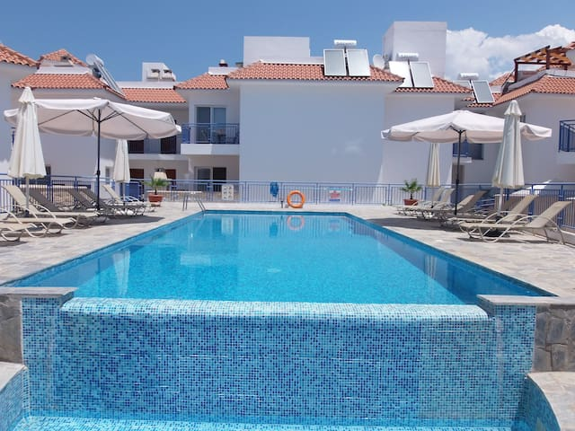 1 Bed Penthouse - Pool - Sea Views - Argaka - Apartment