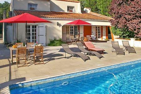Grande villa avec piscine et jardin - Dompierre-sur-Charente