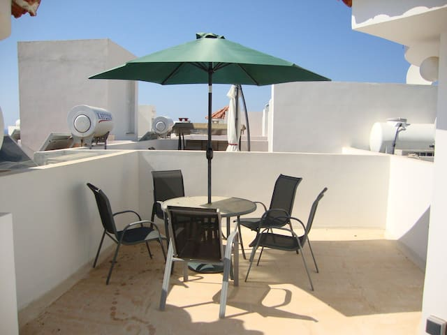 1 Bed Penthouse - Pool - Sea Views - Argaka - Byt