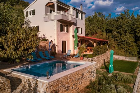 """Villa Eagle"" - a piece of your own paradise - Omiš"