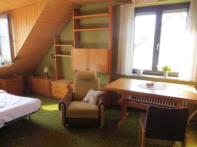 granny flat, 25 Min to Oktoberfest - München - Hus