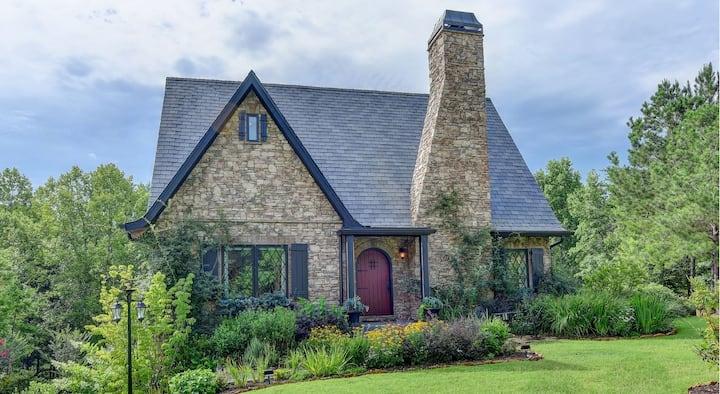 Morningside Cottage - Swanky European-style home near Dahlonega, GA